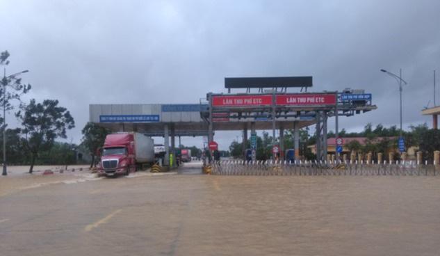 Tạm dừng thu phí quốc lộ 1 đoạn qua Quảng Trị