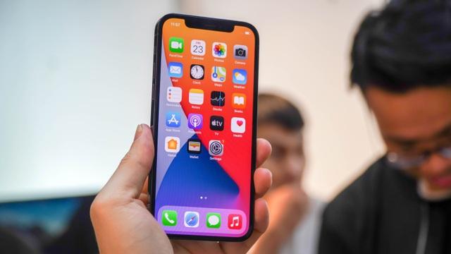 Những tiện ích dư thừa của iPhone 12 người dùng nên cân nhắc trước khi mua - 1