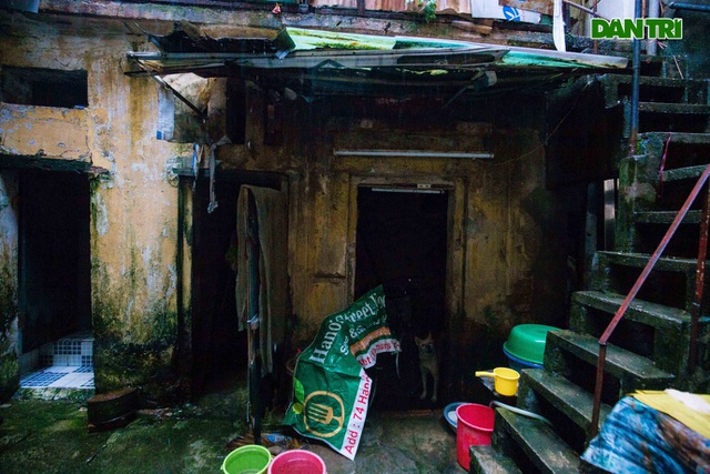 """Cuộc sống bên trong những căn nhà """"khổ nhất"""" phố cổ Hà Nội - 6"""