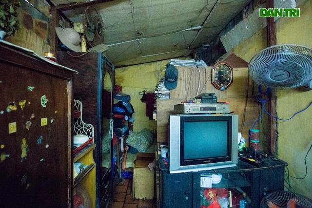 """Cuộc sống bên trong những căn nhà """"khổ nhất"""" phố cổ Hà Nội - 7"""