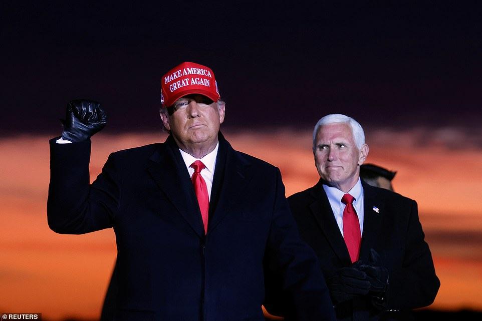 Nhà cái ở Anh dự đoán ông Trump giành chiến thắng bầu cử