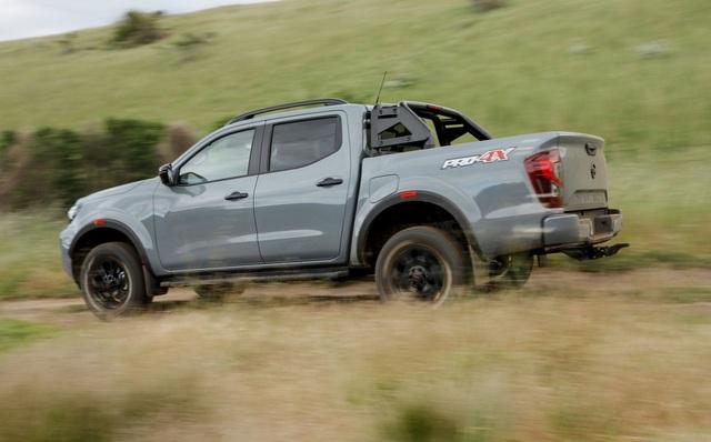 Nissan Navara 2021 xuất kích, sẵn sàng đấu với Ford Ranger - 12