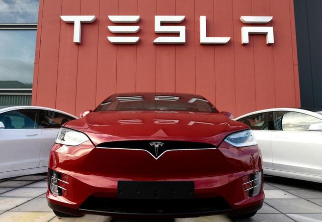 Tesla không còn là nhà sản xuất xe chạy điện lớn nhất châu Âu - 1