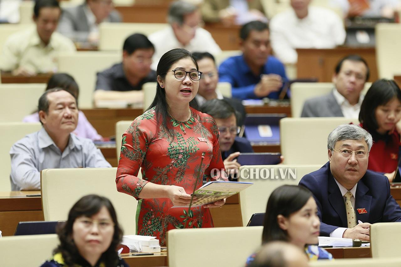 """""""Nóng"""" chất vấn cao tốc Hà Nội - Bắc Giang không phải là... cao tốc!"""