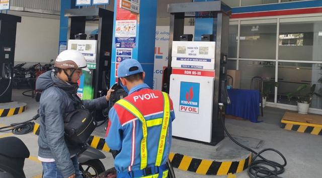 Xăng dầu đồng loạt giảm giá từ 15h chiều nay - 1