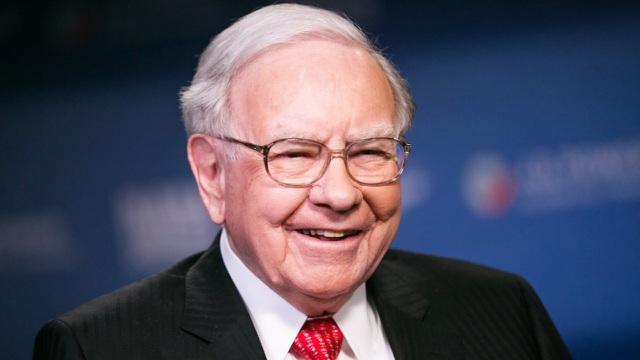 Chi mạnh cho cổ phiếu Apple, sau vài năm tỷ phú Buffett lãi đậm, tăng gấp 3 lần