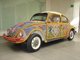 Chiếc Beetle độc nhất vô nhị thế giới - đính hàng triệu hạt màu sặc sỡ
