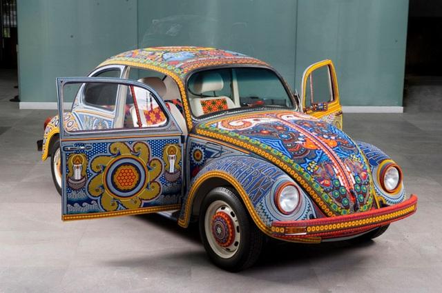 Chiếc Beetle độc nhất vô nhị thế giới - đính hàng triệu hạt màu sặc sỡ - 5