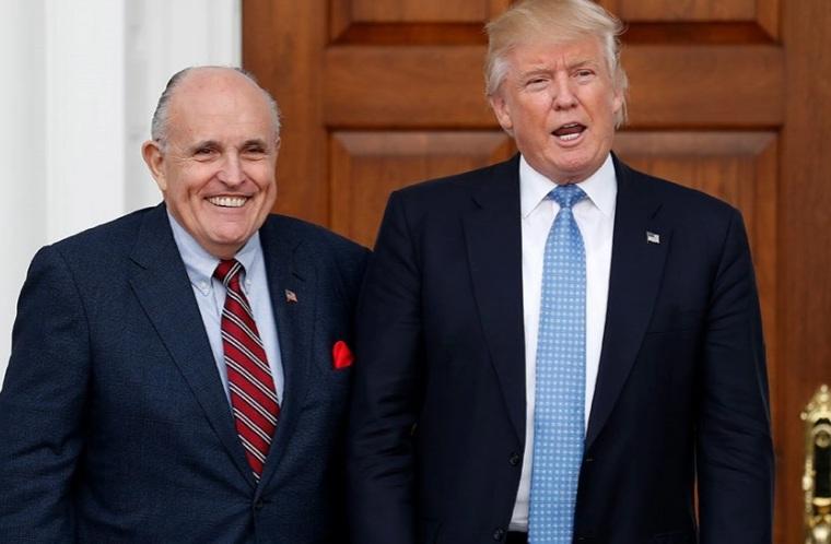 Luật sư riêng của ông Trump bị đồn đòi thù lao