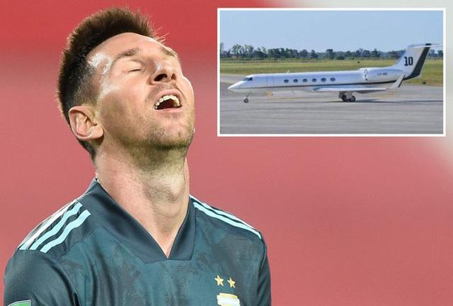 Chưa kịp xuống máy bay, Messi đã bị đòi tiền... thuế - 1