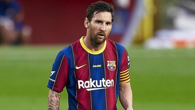 Chưa kịp xuống máy bay, Messi đã bị đòi tiền... thuế - 2