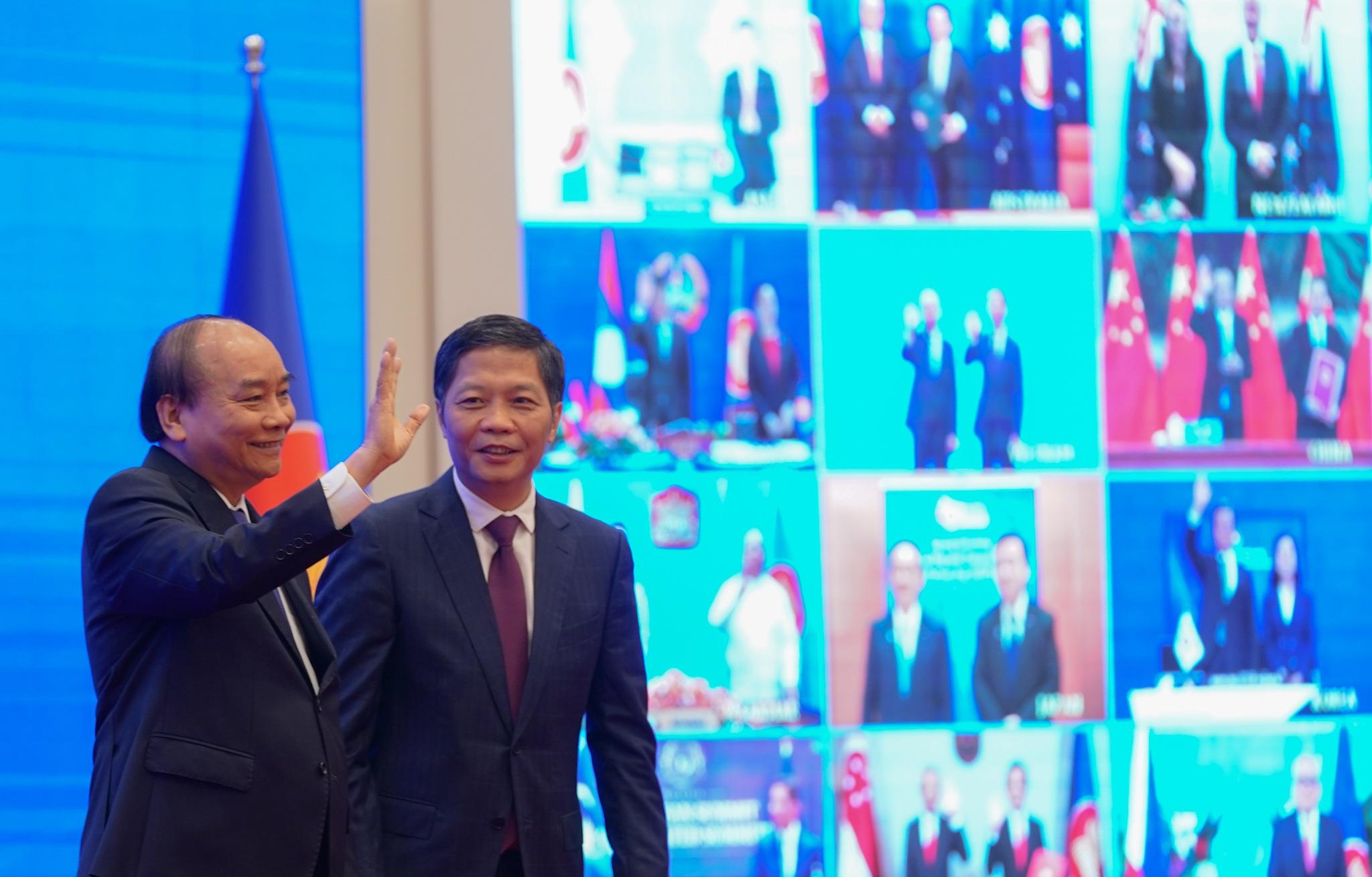 """""""Nóng"""" việc Việt Nam gia nhập FTA lớn nhất thế giới"""