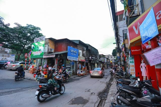 """""""Toát mồ hôi"""" khi lạc chân vào mê cung số nhà trên nhiều tuyến phố Hà Nội - 9"""