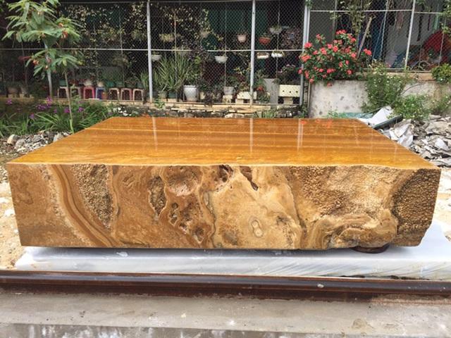 Sập bằng đá quý vàng óng, nặng tới 7 tấn, đại gia Hà Nội hét hơn tỷ đồng - 3