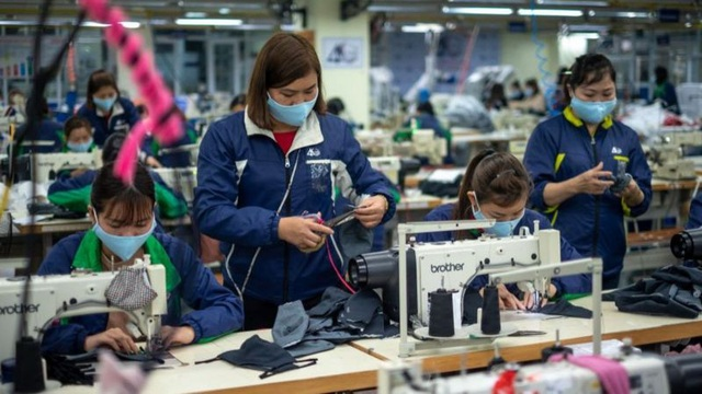 Việt Nam là quốc gia thành công kinh tế duy nhất ở Đông Nam Á thời Covid-19 - 1