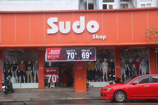 Đà Nẵng: Shop bung giá sập sàn, khách giảm nhiệt thờ ơ với Black Friday - 3
