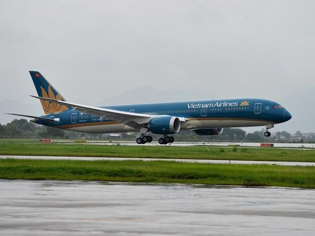 Vietnam Airlines xem xét sa thải tiếp viên nhiễm Covid-19 vi phạm cách ly