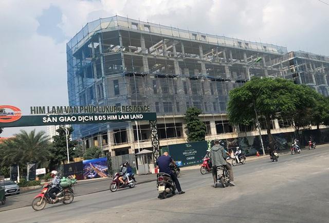 Cận cảnh cao ốc nhấn chìm con đường BT Hà Nội - 9