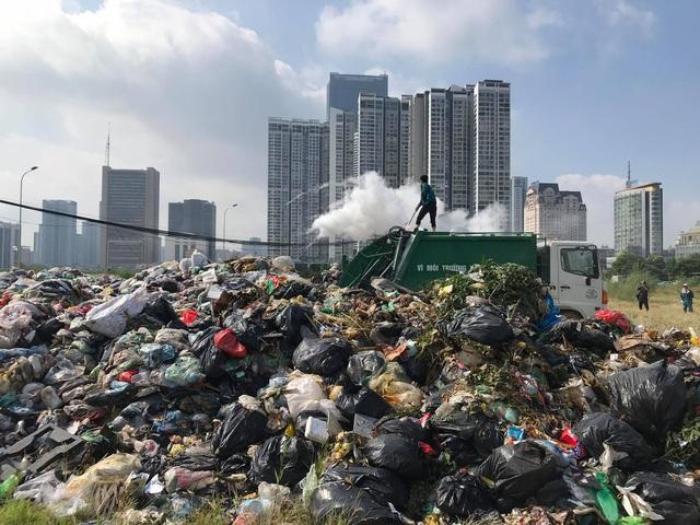 Hà Nội thanh tra công ty trúng gói thầu 1.150 tỷ đồng vẫn để rác ngập đường