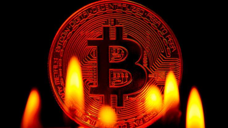 200 tỷ USD bị xoá sổ khi giá bitcoin lao dốc
