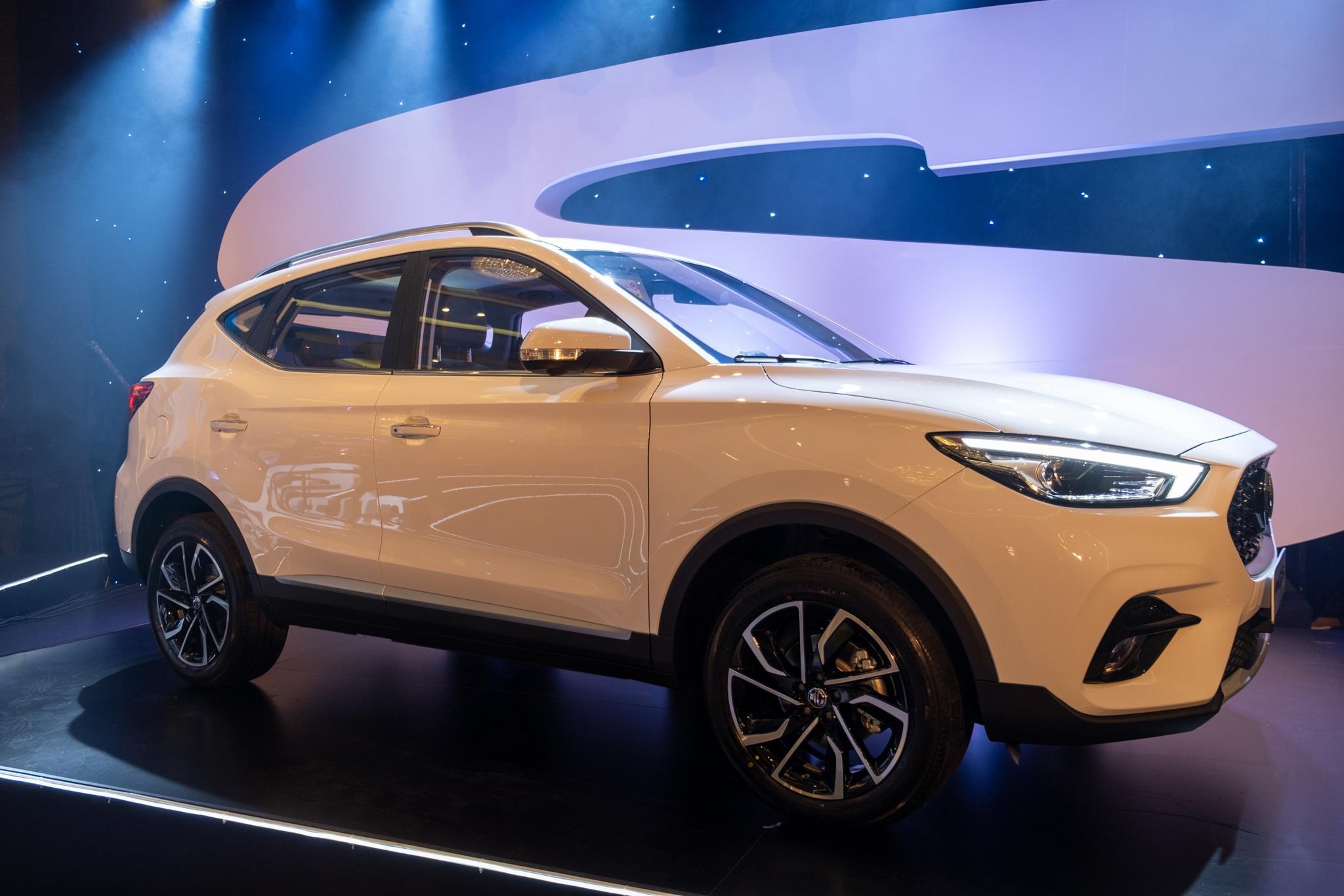 Chênh 100 triệu, MG ZS bản 2021 có gì để cạnh tranh Kia Seltos?