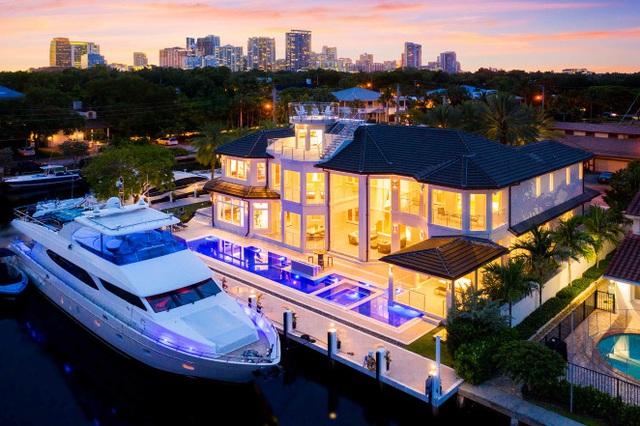 Giới siêu giàu vung tiền mua biệt thự có chỗ đậu du thuyền, chuyên cơ - 2