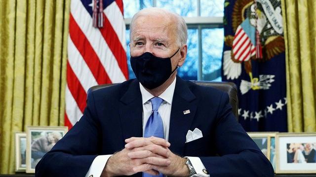 Tổng thống Biden tiếp tục xóa bỏ chính sách thời ông Trump - 1