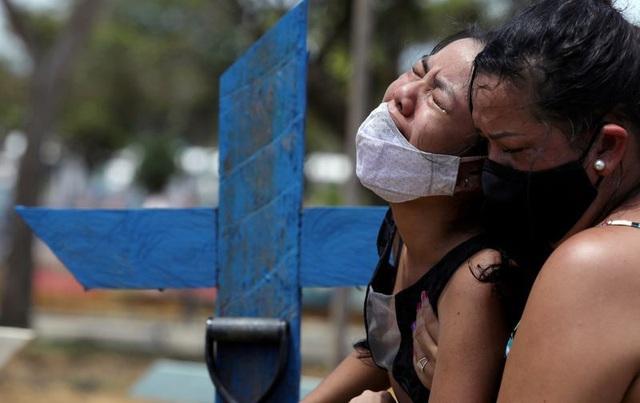 Thế giới vẫn quay cuồng trong bão Covid-19: 18.000 người tử vong 1 ngày - 2