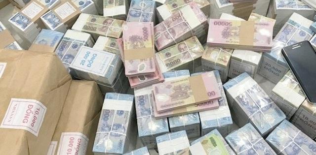 Dịch vụ đổi tiền lẻ cận Tết, giá chát hơn sung - 1