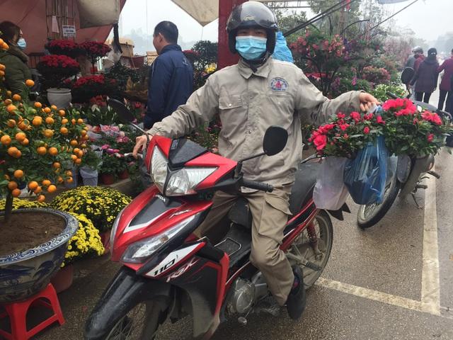 Lào Cai: Lan, đào, quất phô diễn tại chợ biên giới với giá rẻ bất ngờ! - 1