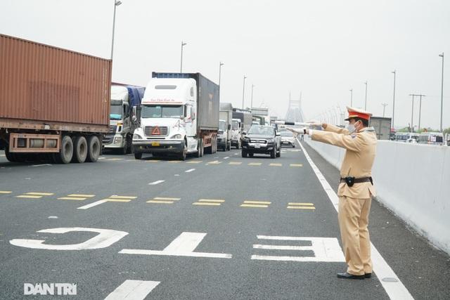 Quảng Ninh cho phép xe khách liên tỉnh hoạt động trở lại từ trưa nay