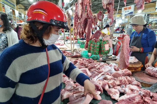 Đà Nẵng: Sức mua yếu, giá thực phẩm Tết chỉ tăng nhẹ - 2