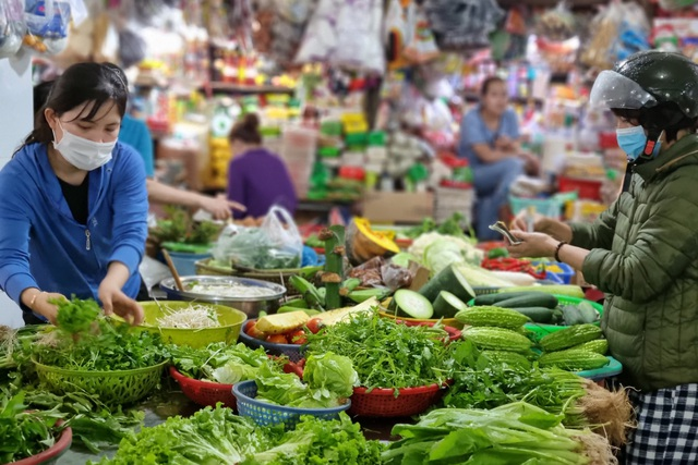 Đà Nẵng: Sức mua yếu, giá thực phẩm Tết chỉ tăng nhẹ - 3