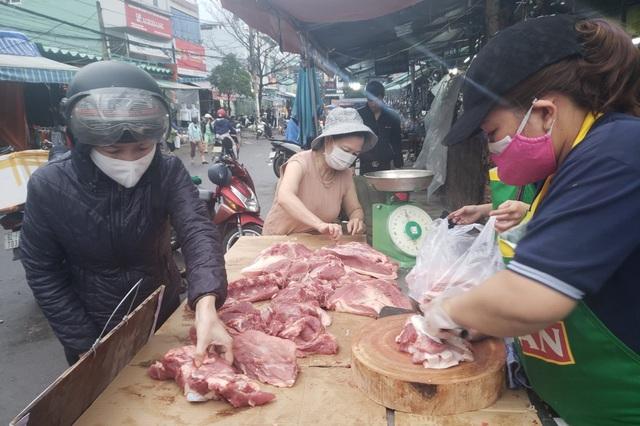 Đà Nẵng: Sức mua yếu, giá thực phẩm Tết chỉ tăng nhẹ - 5
