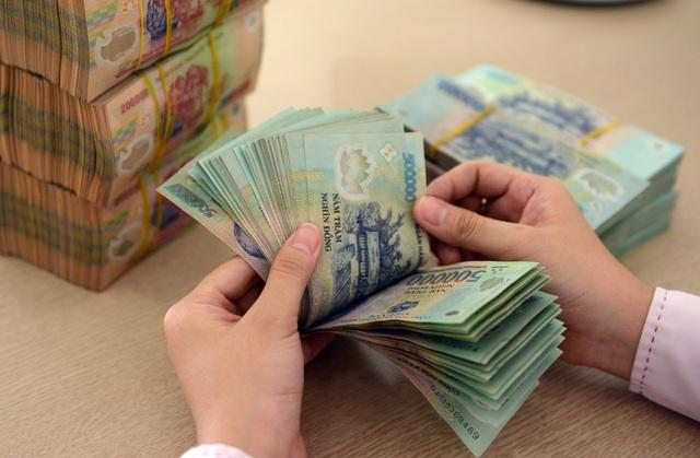 Đột biến nhu cầu tiền mặt và can thiệp từ Ngân hàng Nhà nước  - 1