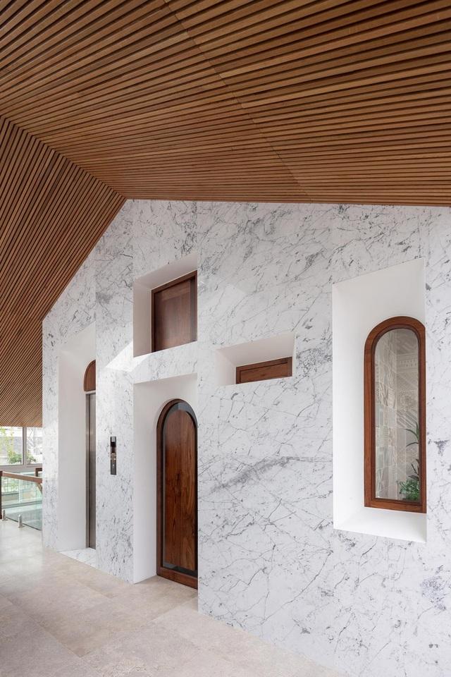 Biệt thự trắng hoành tráng ở con phố sầm uất bậc nhất Hà Nội - 15