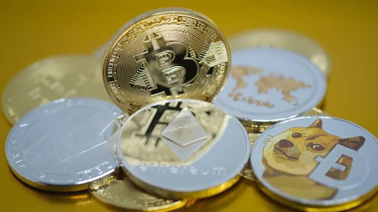 Bitcoin vượt mốc 51.000 USD,