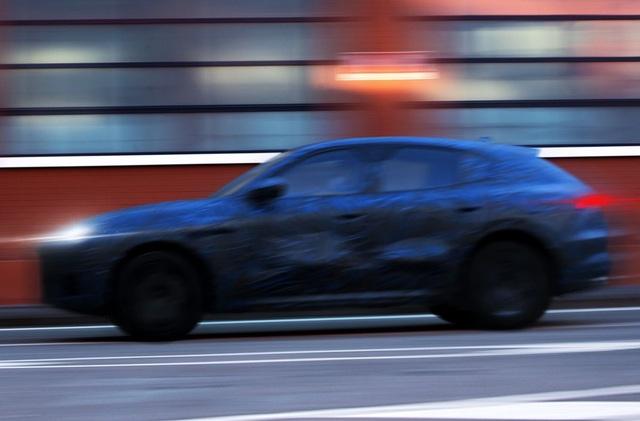 Những hình ảnh đầu tiên của xe nguyên mẫu Grecale - SUV mới của Maserati - 3