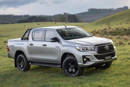 Toyota triệu hồi gần 2.000 xe Hilux nhập khẩu để thay thế bầu trợ lực phanh