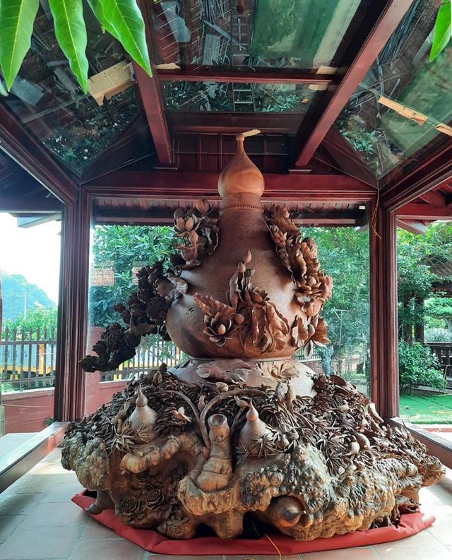 Choáng ngợp với bình hồ lô bằng gỗ, nặng 6 tấn độc nhất Việt Nam - 4