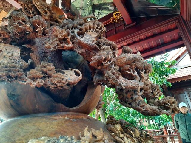 Choáng ngợp với bình hồ lô bằng gỗ, nặng 6 tấn độc nhất Việt Nam - 6