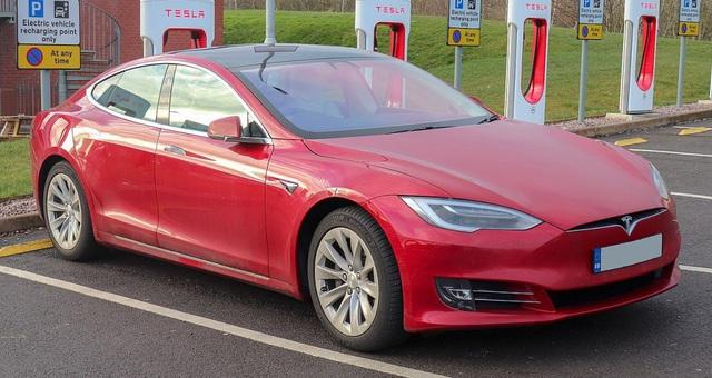 VinFast được báo châu Á đặt ngang hàng Tesla khi viết về xe chạy điện - 3