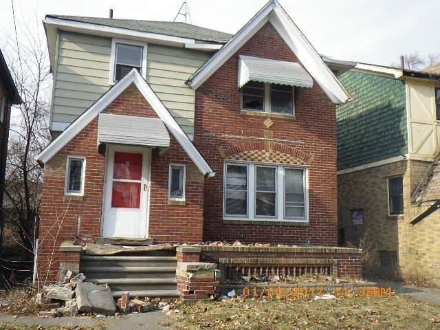 Chàng trai mua nhà hoang giá 2.100 USD rồi cải tạo thành biệt thự tặng mẹ - 1