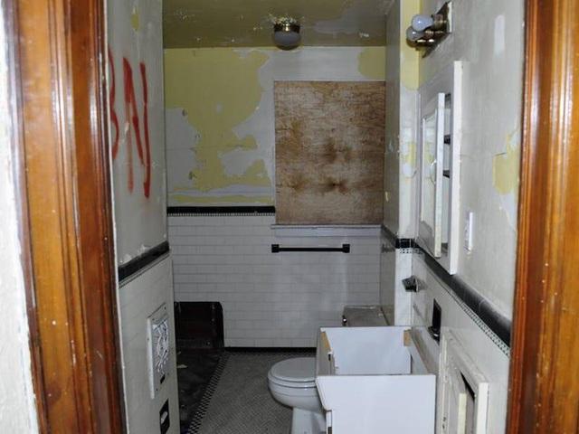 Chàng trai mua nhà hoang giá 2.100 USD rồi cải tạo thành biệt thự tặng mẹ - 3