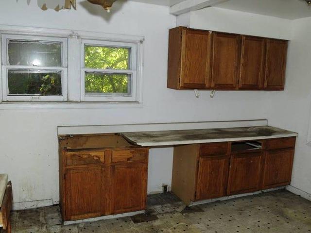 Chàng trai mua nhà hoang giá 2.100 USD rồi cải tạo thành biệt thự tặng mẹ - 5