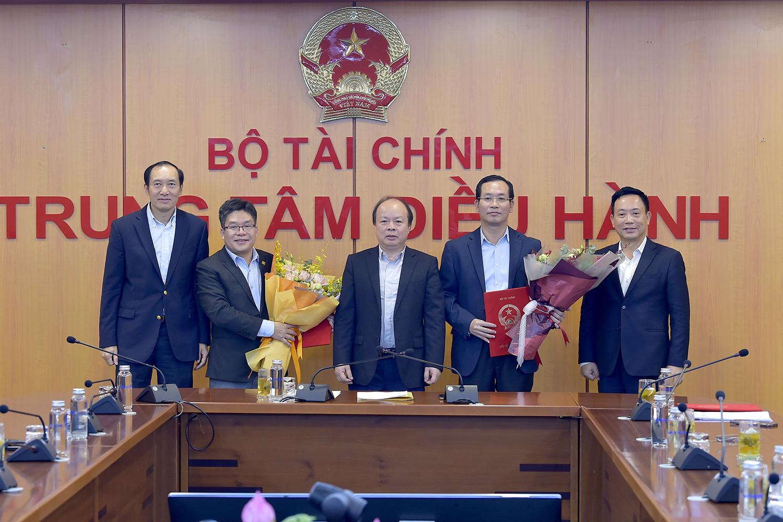 Bổ nhiệm nhân sự cấp cao tại Sở GDCK Việt Nam: Vắng bóng người từ HSX