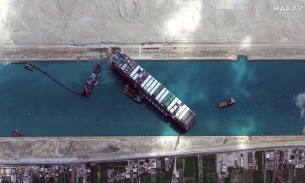 Siêu tàu nhích nhẹ trên kênh đào Suez, Ai Cập tính phương án cuối cùng