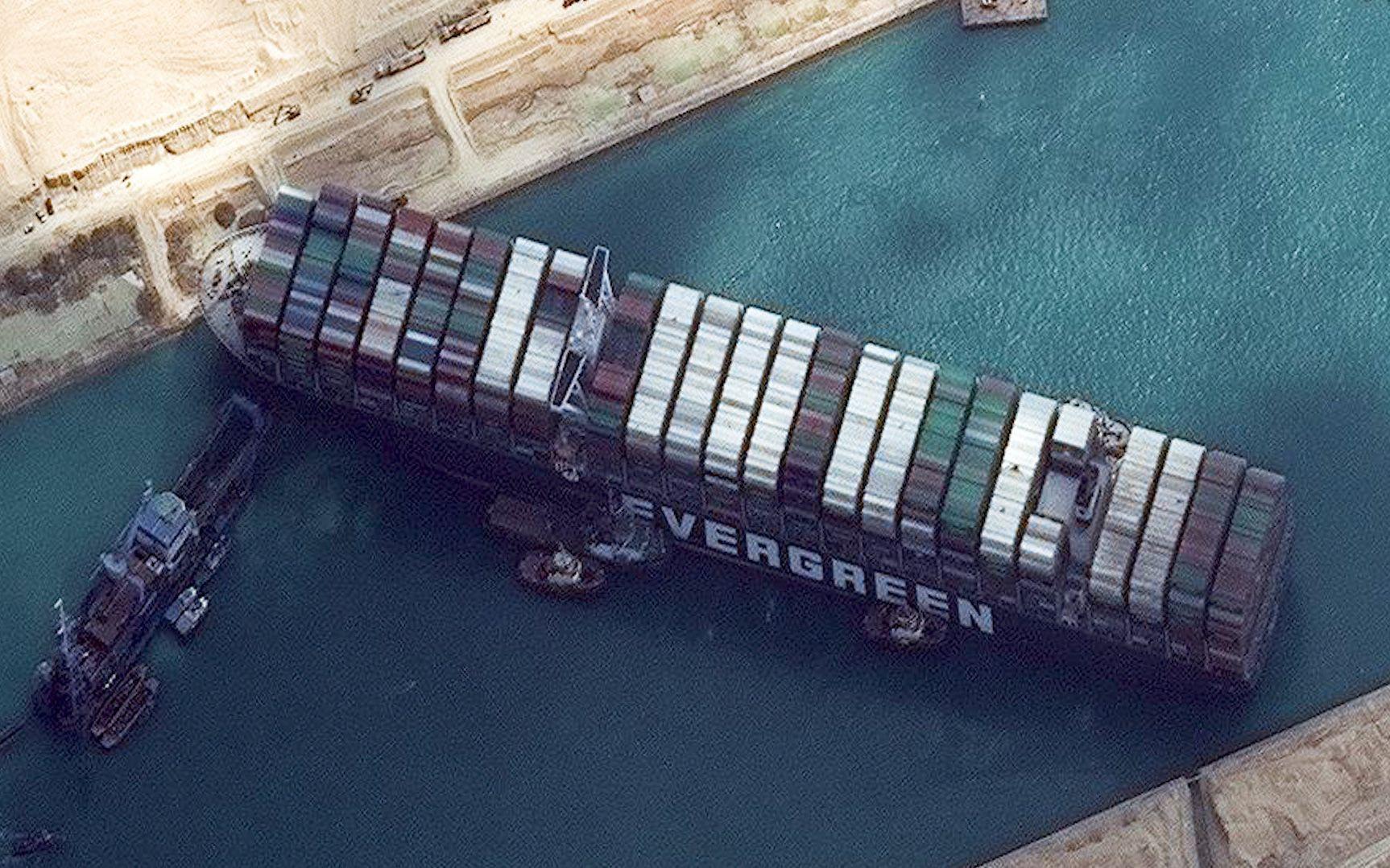 Tắc kênh đào Suez có thể gây áp lực lên lạm phát của Việt Nam?