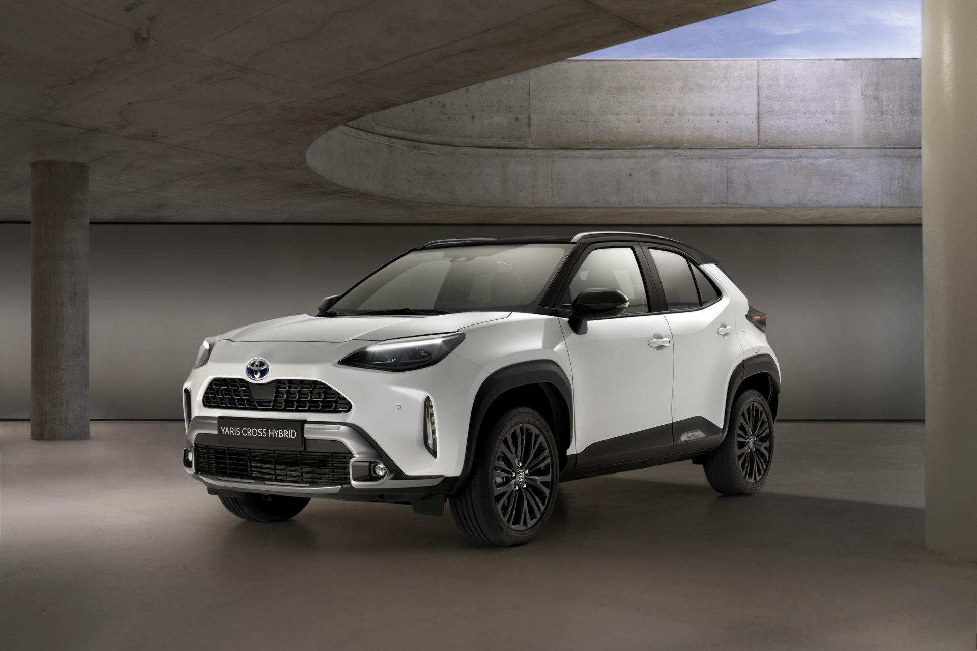Toyota Yaris Cross Adventure 2021 chào sân, phân khúc miniSUV thêm sôi động