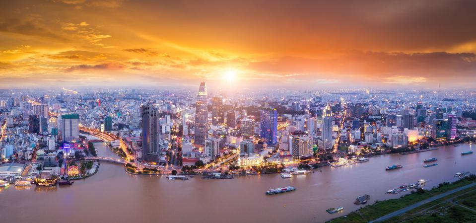 Forbes: Điều không tưởng ở Việt Nam trong thời đại dịch